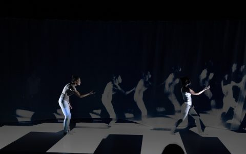 Moving // Compagnie Nmara // Théâtre de l'Archipel – Perpignan // 8/10/19 à 20h30 et 9/10/19 à 19h